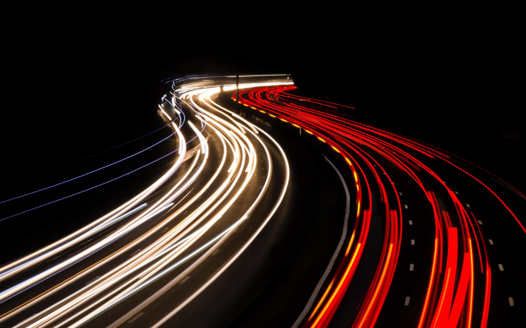 long-exposure-lighttrail-cars