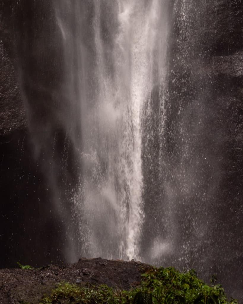 Sekumpul-waterfall-Bali-closeup