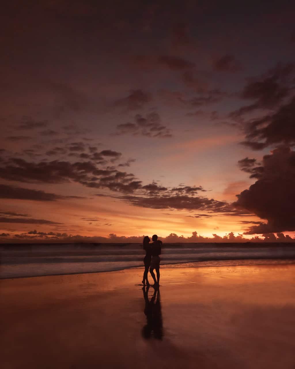 sunset-pasut-beach-reflection