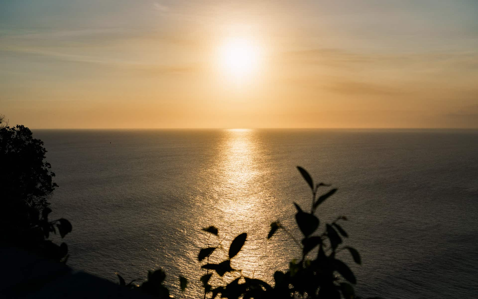 sunset-uluwatu-temple