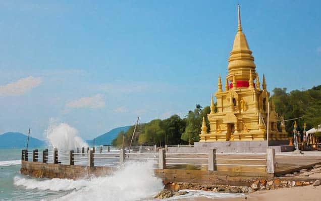 Laem-sor-pagoda-koh-samui