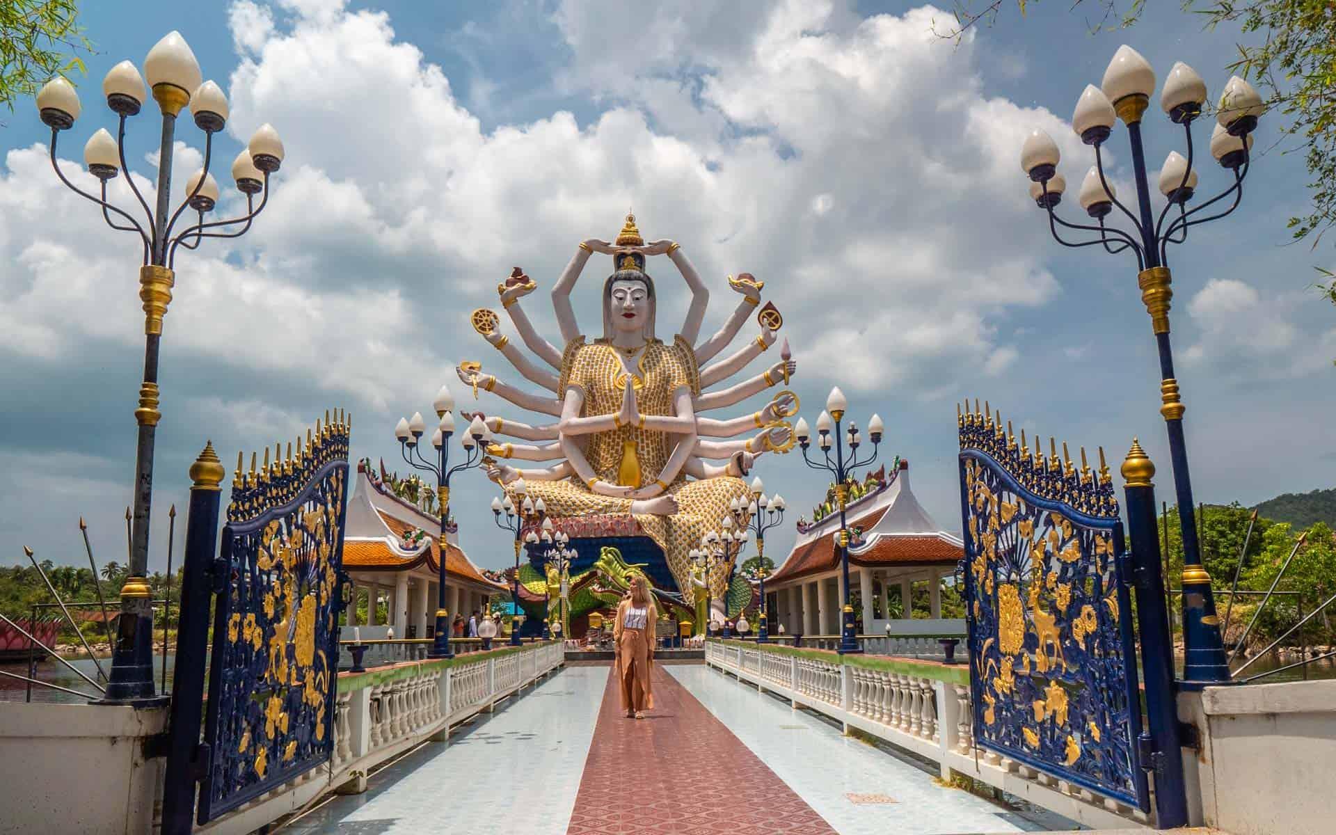 Wat-Plai-Laem-koh-samui-close