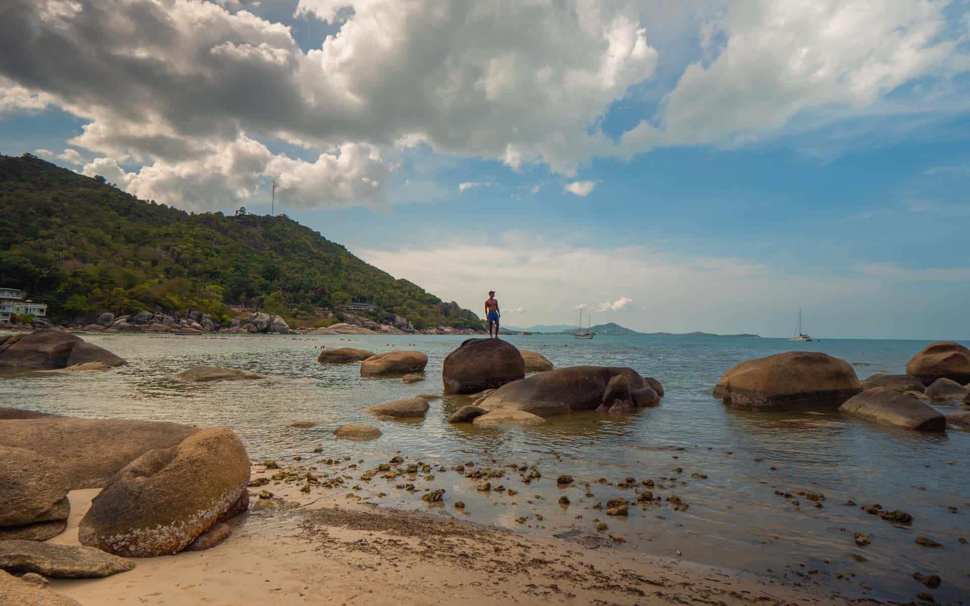 silver-beach-koh-samui-rocks
