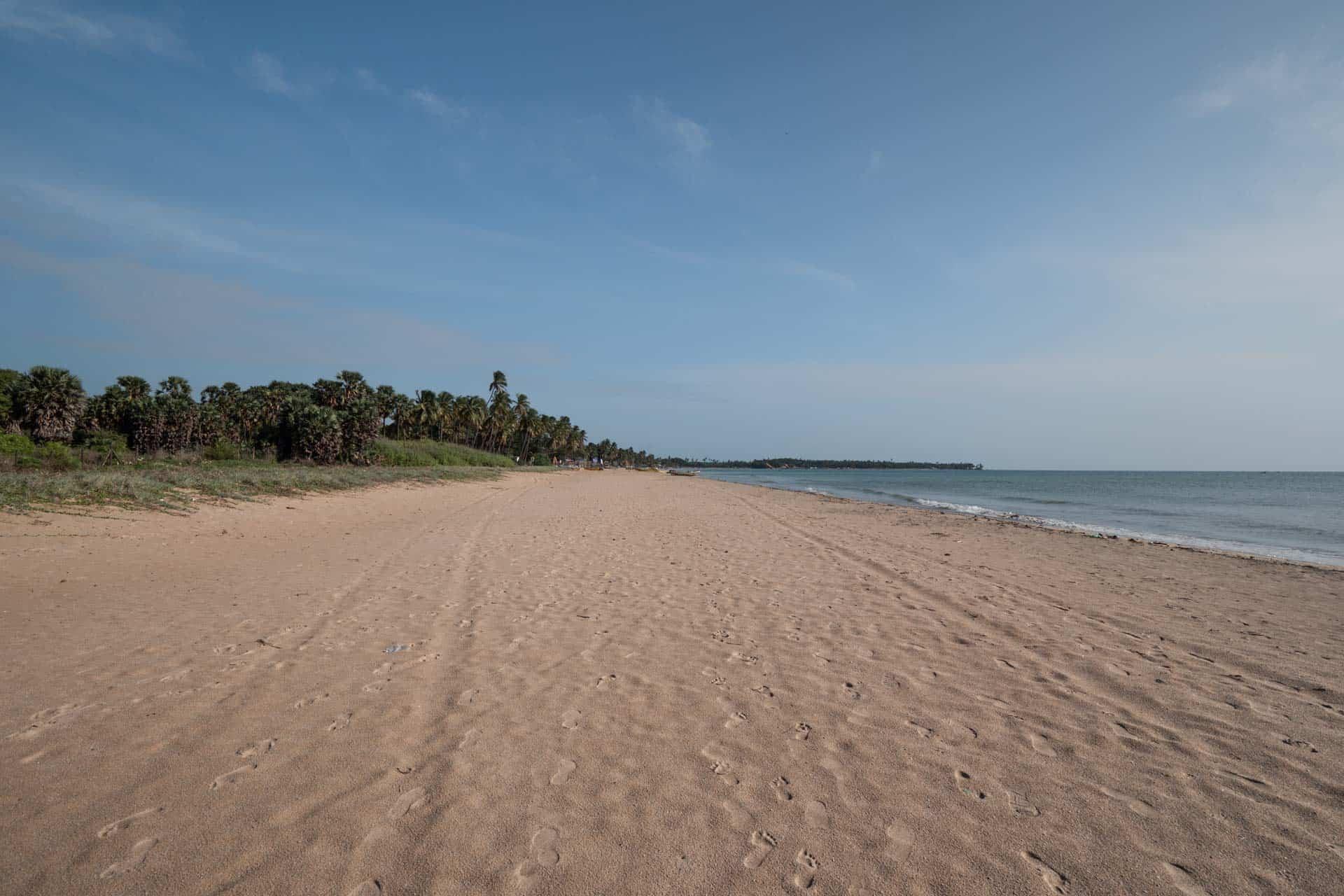 Uppuveli-beach-trincomalee-view