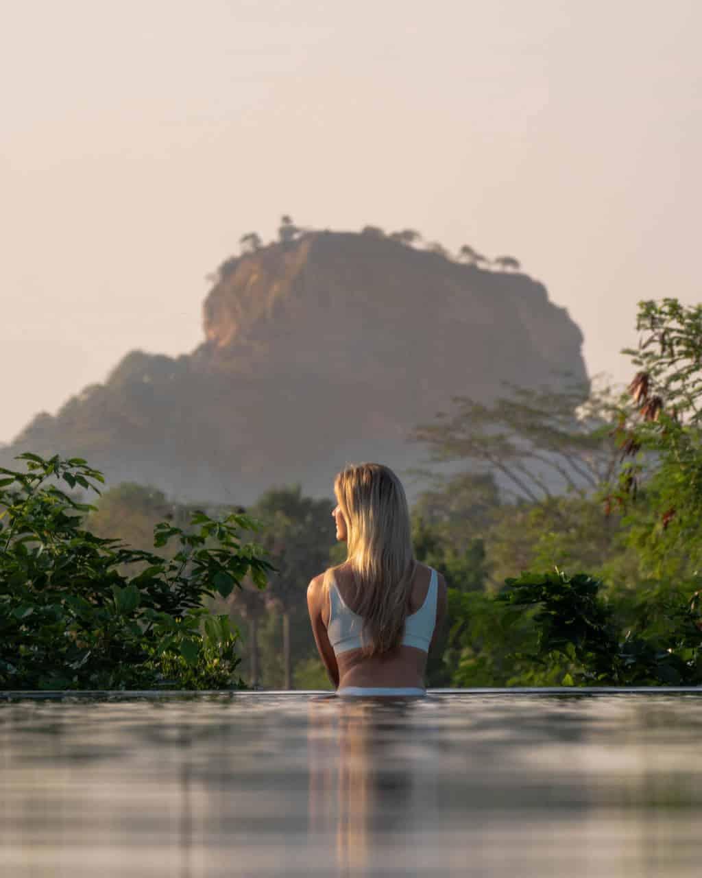 aliya-hotel-view-pool-closeup