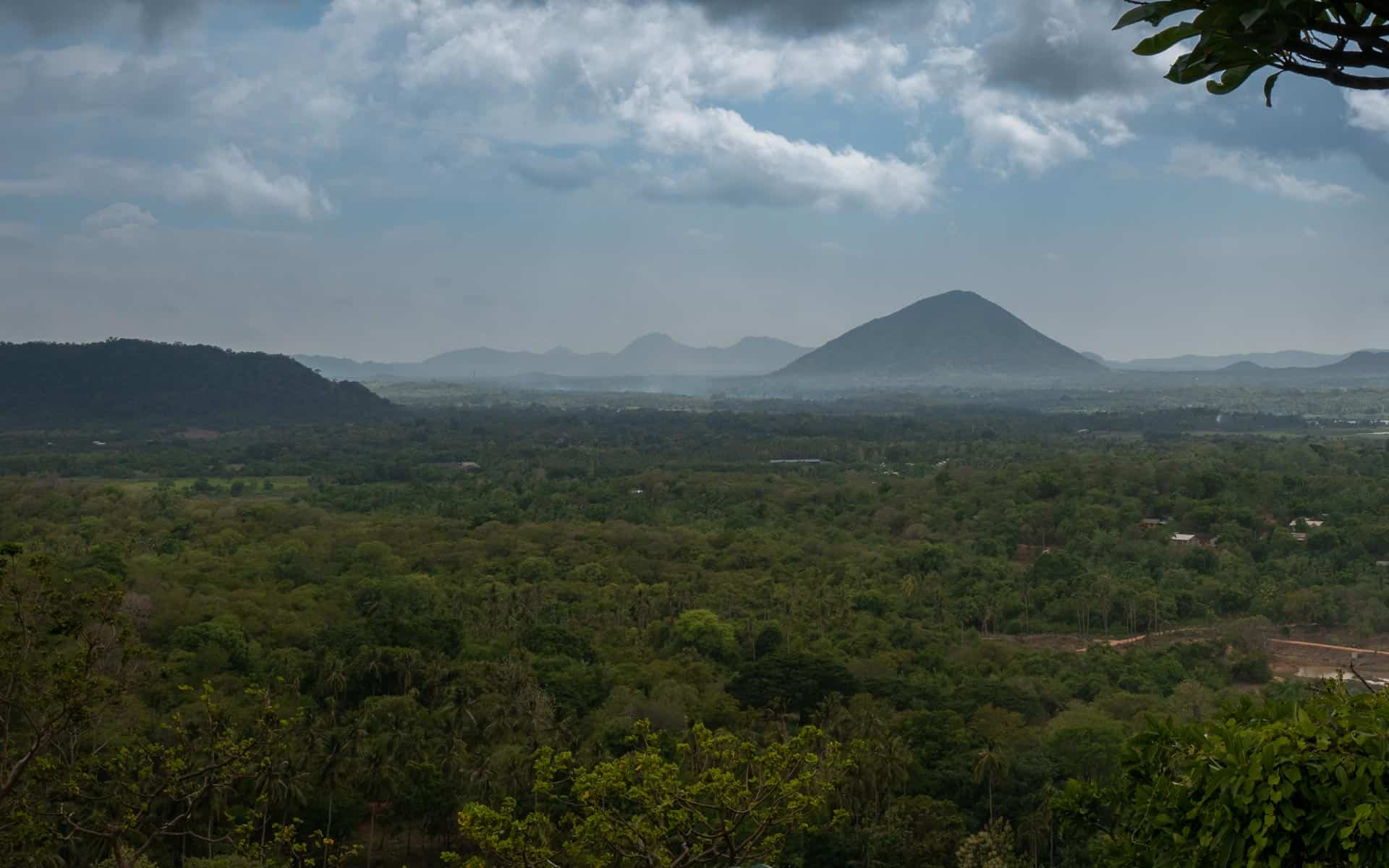 dambulla-cave-temple-view