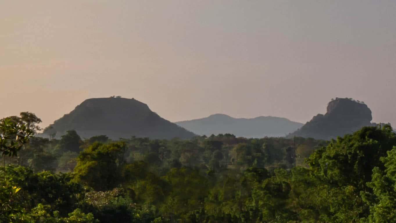 pidurangala-rock-sigiriya-rock-sunrise