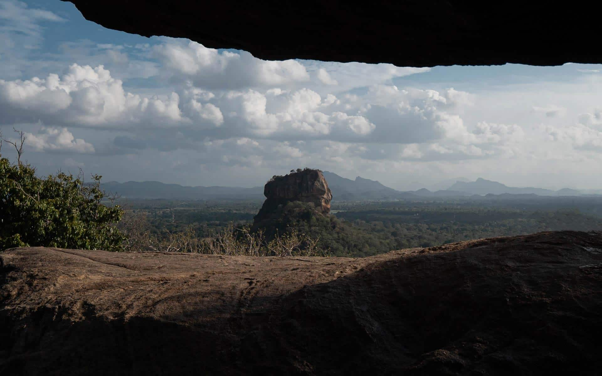 pidurangala-rock-sigiriya-rock-view