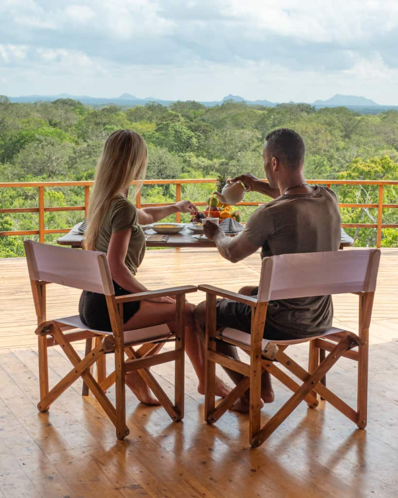safari-sri-lanka-camp-breakfast