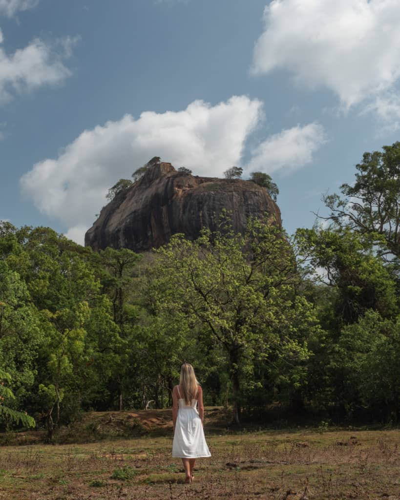 sigiriya-rock-field