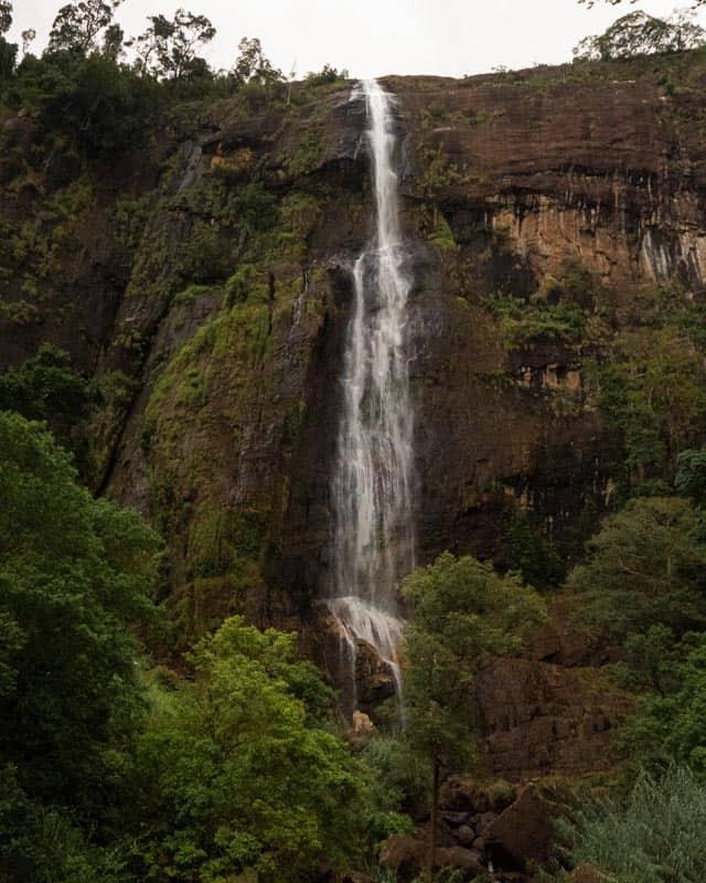 Diyaluma-falls-sri-lanka-closeup