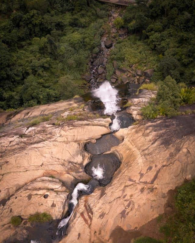Diyaluma-falls-sri-lanka-pool
