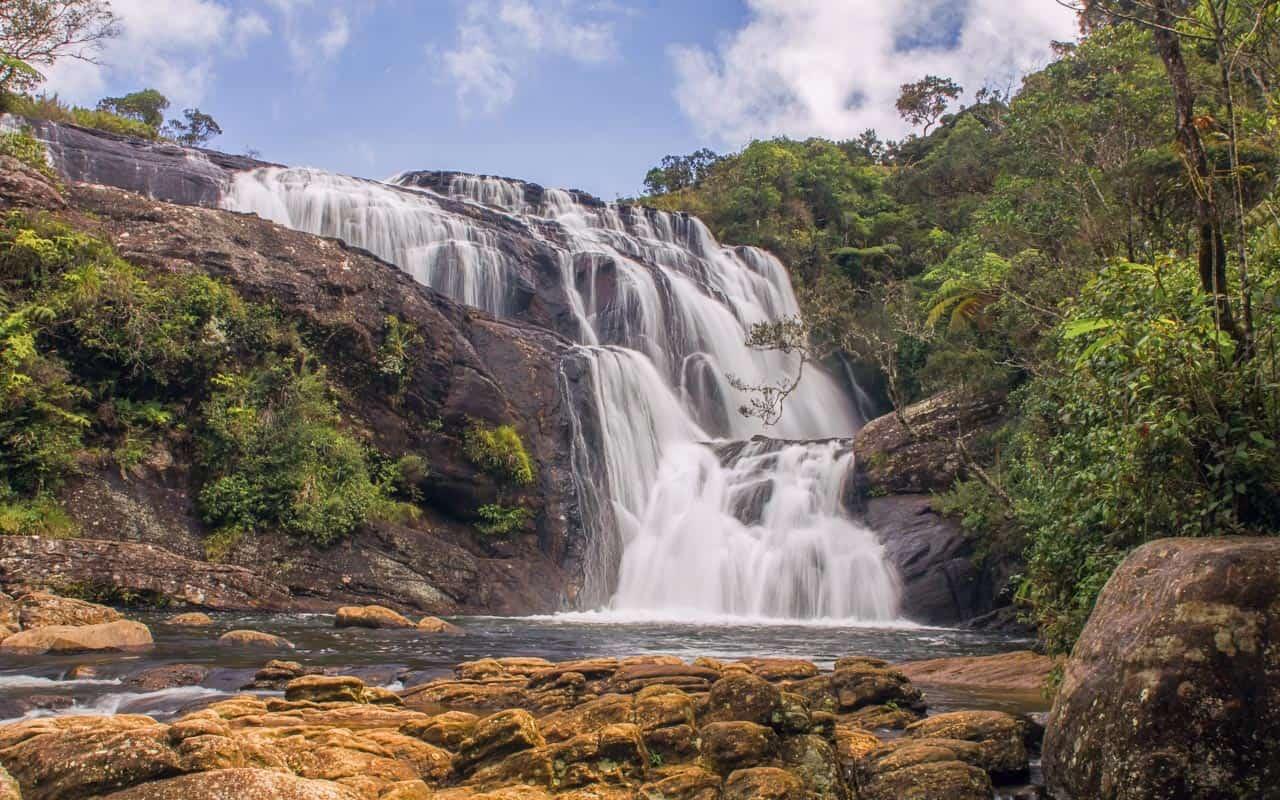 bakers-falls-horton-plains-nuwara-eliya