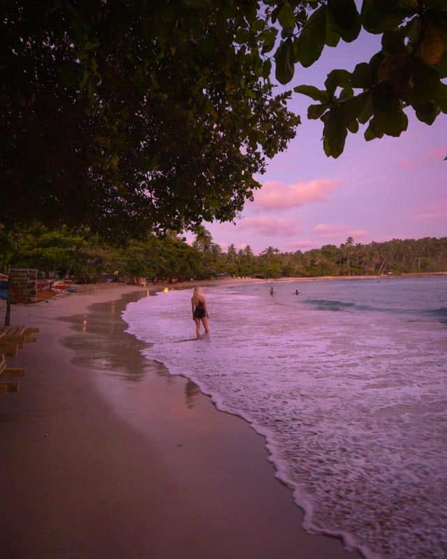 hiriketiya-beach-sunset-view