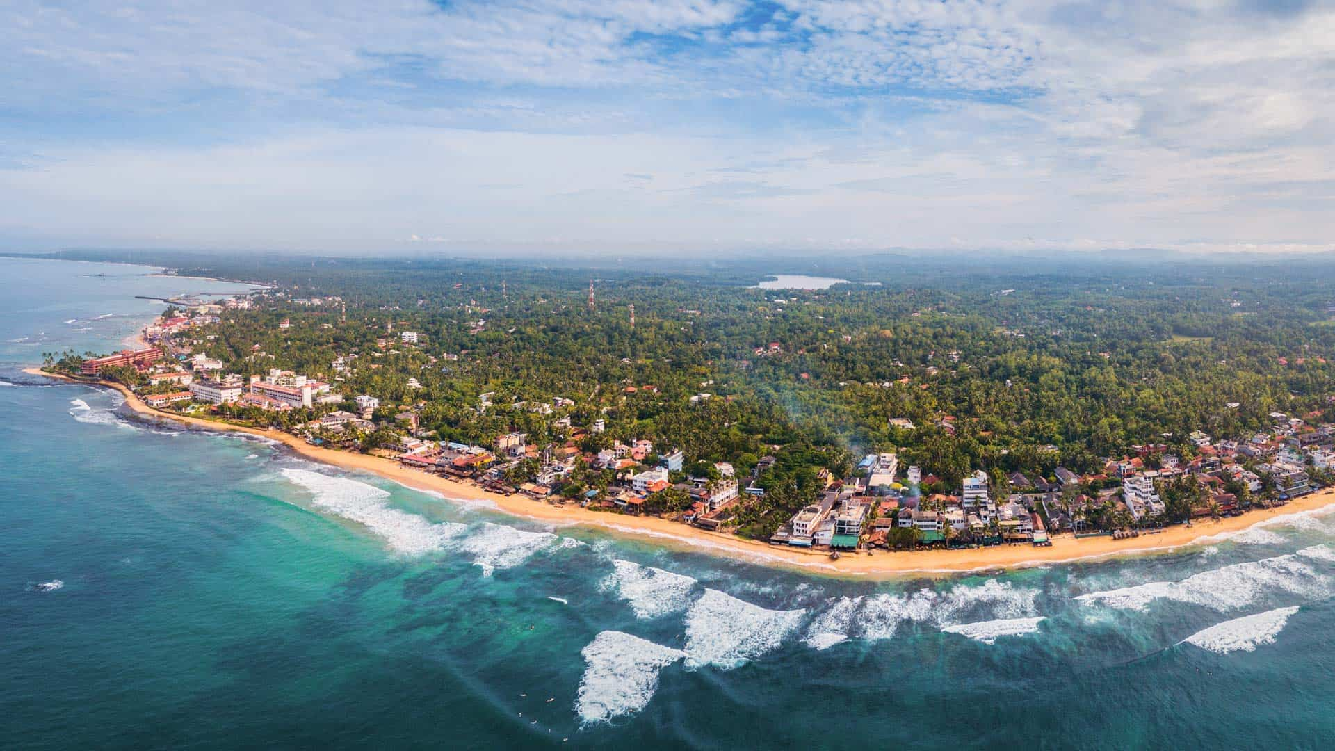hikkaduwa-beach-sri-lanka