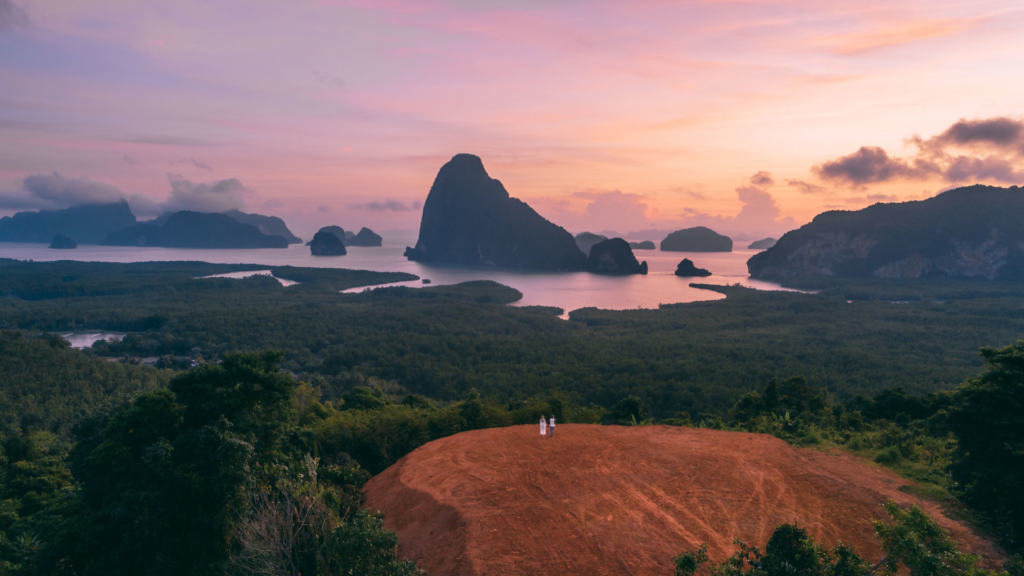 Phuket-to-do-sunrise-phang-nga-bay