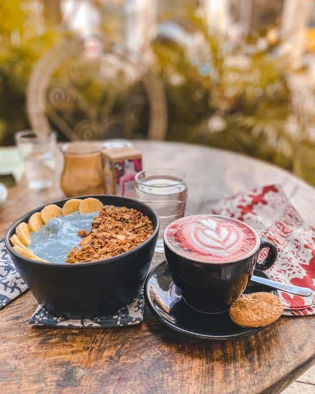 canggu-restaurants-gypsy-smoothiebowl