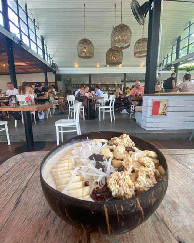 canggu-restaurants-milkmadu-smoothiebowl