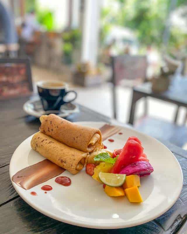 canggu-restaurants-riseandshine-pancakes