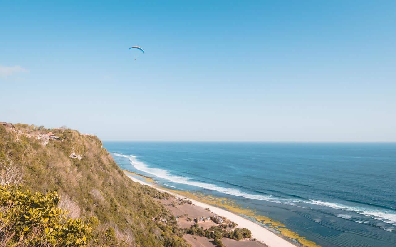 nyang-nyang-beach-paragliding