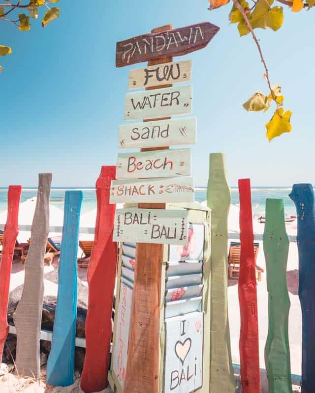 pandawa-beach-signs
