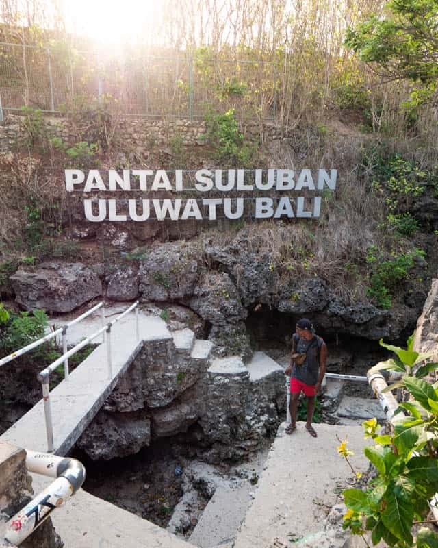 suluban-beach-bali-sign