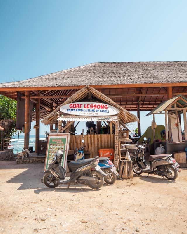 surfboard-rental-shop