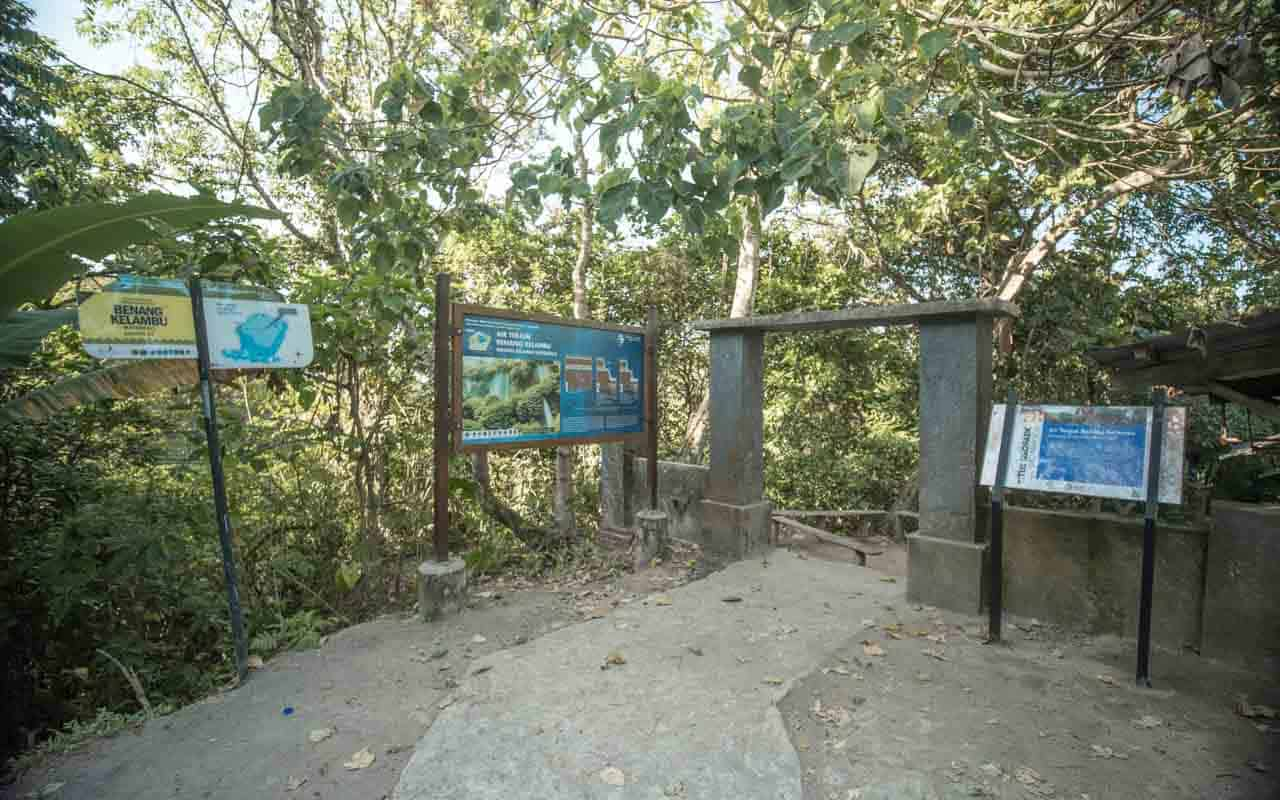 entrance-benang-kelambu-waterfall