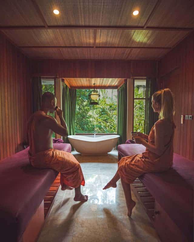 spa-ubud-massage-couple