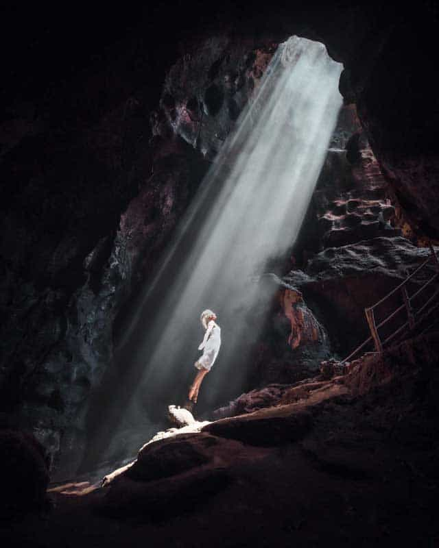 bat-cave-lombok-lightrays