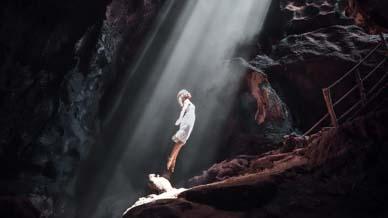 bat-cave-lombok