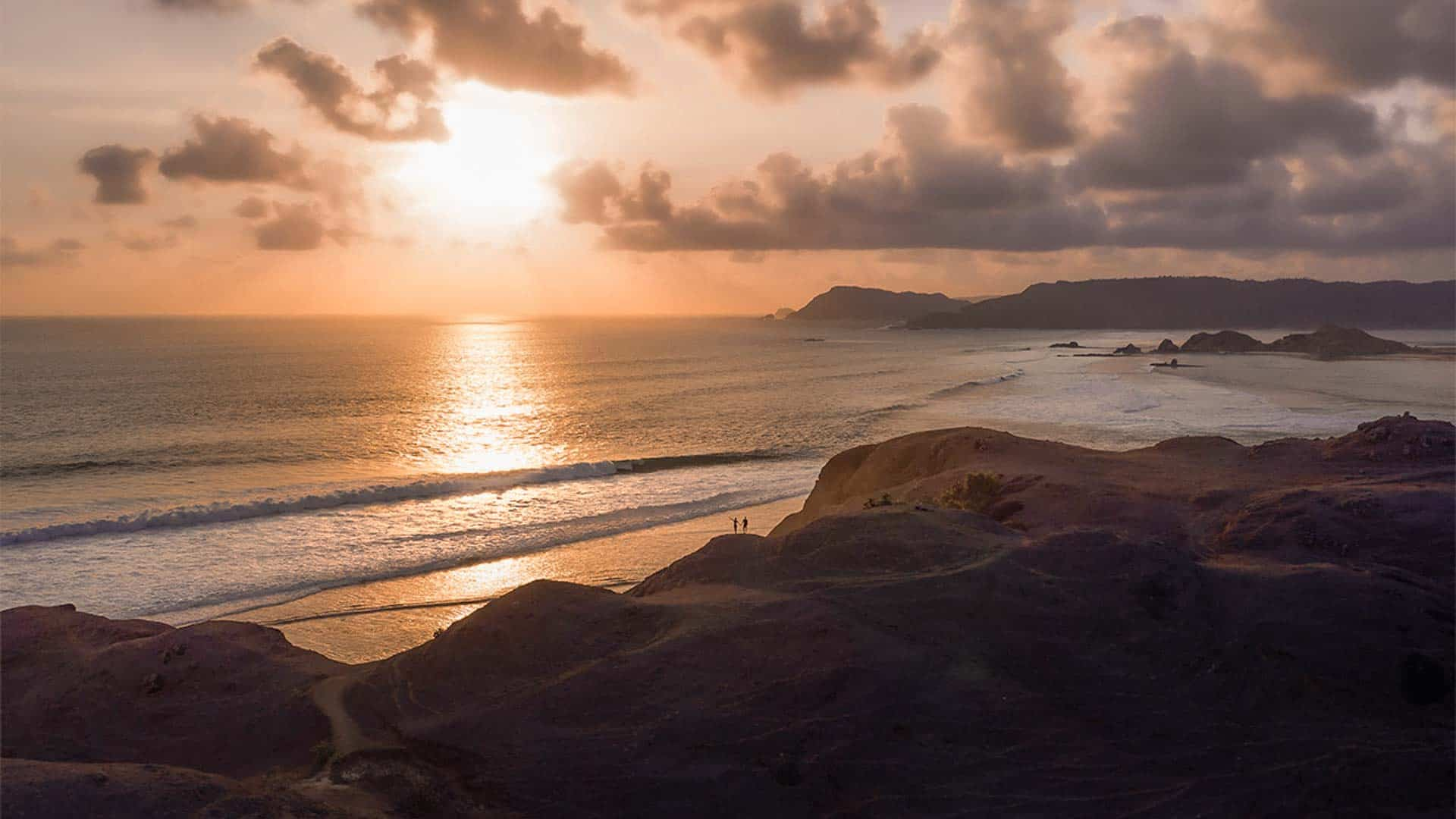 bukit-merese-lombok-sunset