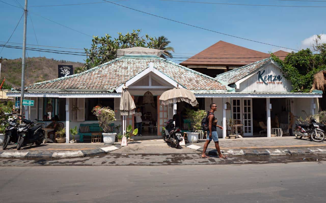 kuta-lombok-kenza-cafe