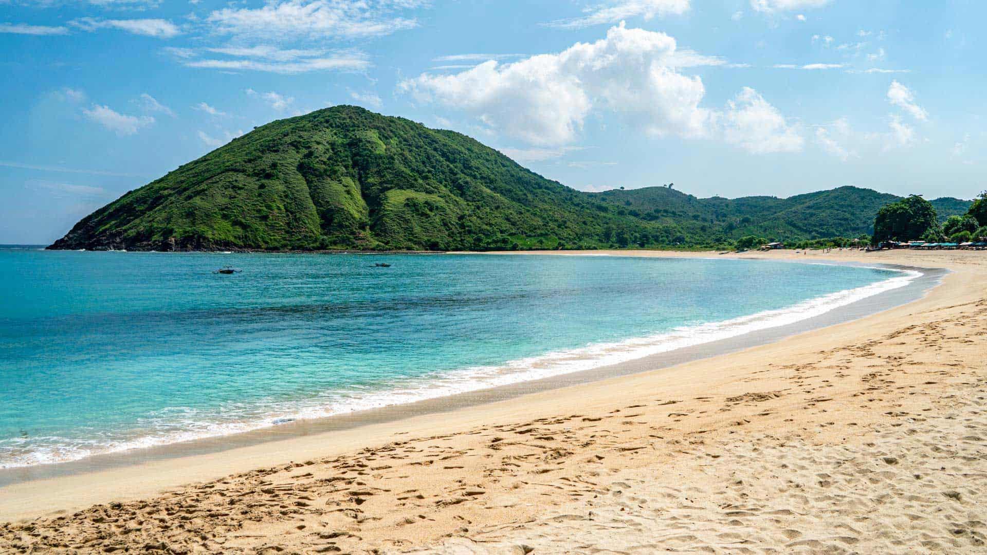 mawun-beach-lombok