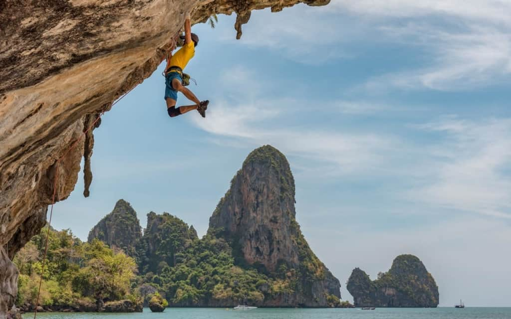 tonsai-beach-climbing