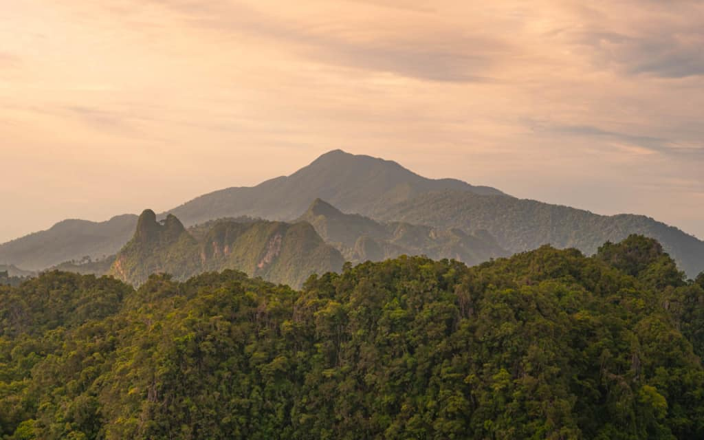 view-mountains-tiger-cave-temple-krabi