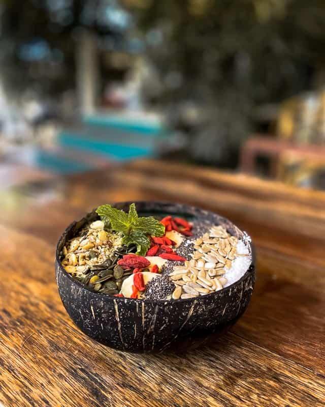 karma-cafe-koh-phangan-smoothiebowl