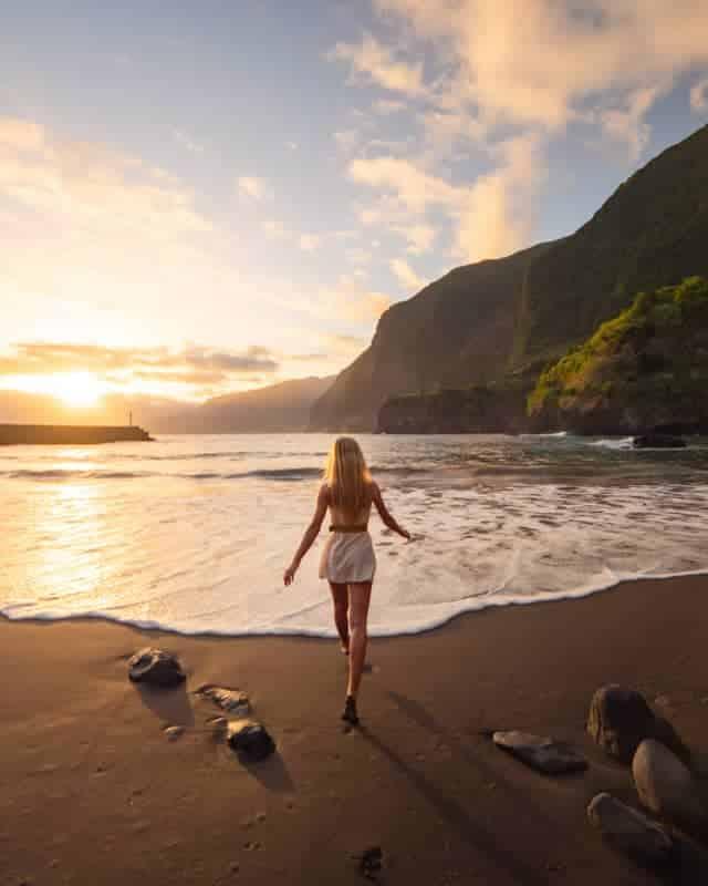 seixal-beach-sunrise-running-2