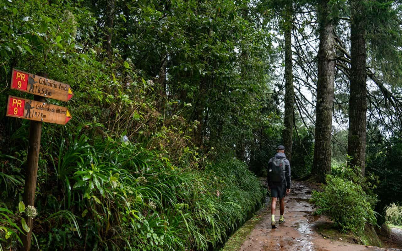 caldeirao-verde-hike-start
