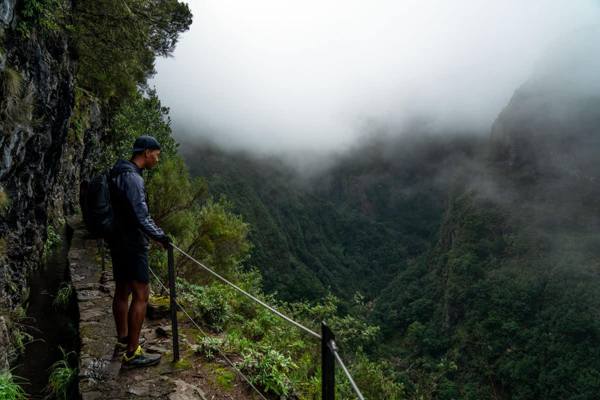 valley-views-foggy