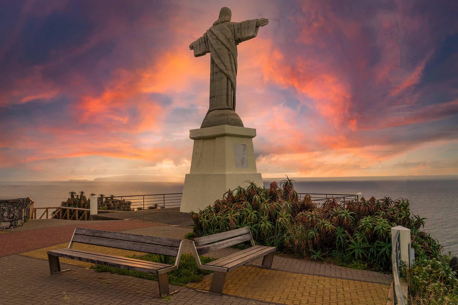cristo-rei-sunrise-madeira